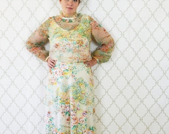SUMMER SALE Vintage 1970's Floral Maxi Dress - Long Sleeve High Neck Formal Gown - 70's Prom Dress - ladies size small to Medium
