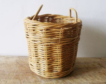 Vintage little wicker basket, 1960s, 1960, Toy, Doll, Panier ancien osier, Jouet