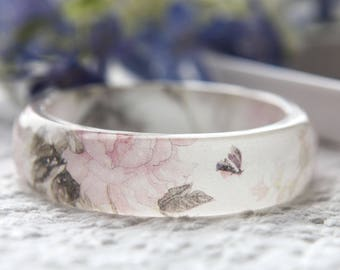 Resin bangle with embedded Asian floral art of pink peony