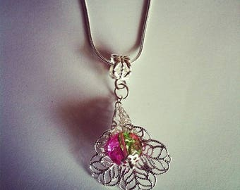 Pearl flower pendant chain green and pink Crackle Glass