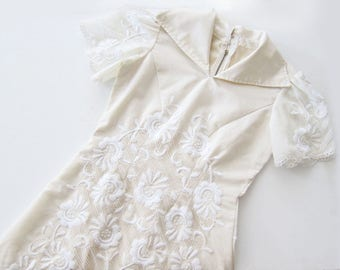 White 60s Dress / White Embroidered Dress / 60s Wedding Dress / Vintage Wedding Dress / A Line Dress / Reception Dress
