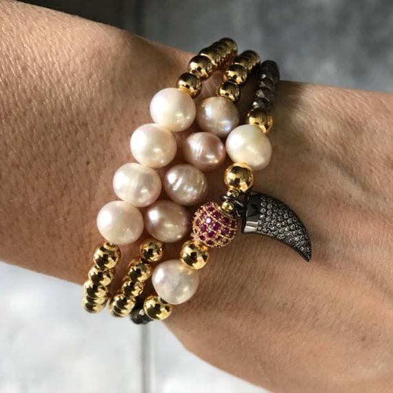 Gold Beaded Pearl Bracelets, Bracelet set, Strechy Bracelets, Horn jewelry, boho jewelry, birthstone jewelry, pearl jewelry