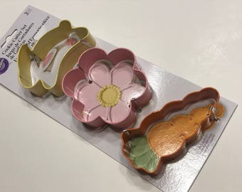 Set of 3 Easter cookie cutters, 3 1/2 - 4 inch