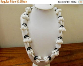 ON SALE Vintage Black and White Plastic Necklace Item K # 3083