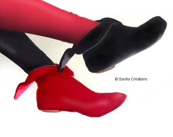 Harley Quinn Animated Series-style bootlets. Shoe covers