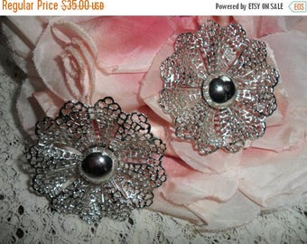ON SALE Vintage Signed Sarah Coventry Very Large Silver Tone Beautiful Lace Ruffled Flower Clip On Earrings Cabochon Center SARAHCOV 1960s S