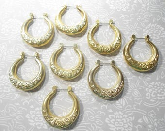 6 Pairs of goldplated Hoop Earrings with Flower Design