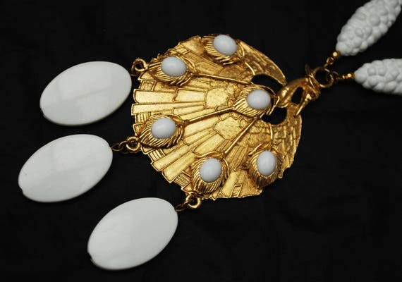 White gold Bird Statment Necklace - White Resin cabochon _ Gold plated metal  - Large Abstract Bird Pendant - Mod