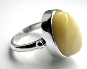 SALE 25% OFF!!! Use the coupon code: SALE25 Baltic amber sterling silver ring