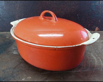 Griswold Dutch Oven - Vintage Cast Iron with Enamel Finish Oval Casserole Pot