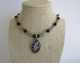 Geode Druzy  Pendant Necklace Gemstone Beaded Chain Jewelry  N188