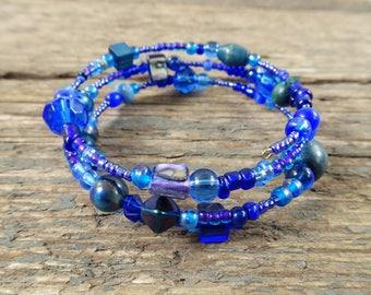 Blue bracelet, beaded bracelet, bracelet, gift for her, boho bracelet, blue jewelry, navy bracelet, dark blue bracelet, boho jewelry