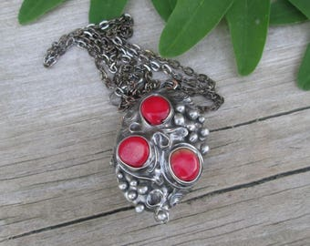 Necklace Medaillon Photo  with  red coral