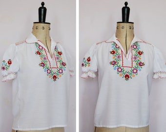 Vintage 1970s embroidered Hungarian blouse - 70s Peasant blouse - Hungarian top - Peasant top - Folk blouse - Gypsy blouse - Boho