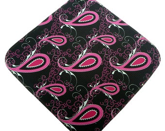Black and Hot Pink Paisley Print Microfiber Women's  Golf Towel two great looks in one!