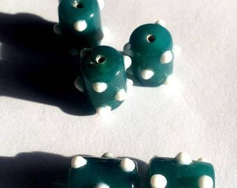 Set of 18 beads, teal, colones dots 12mm approx