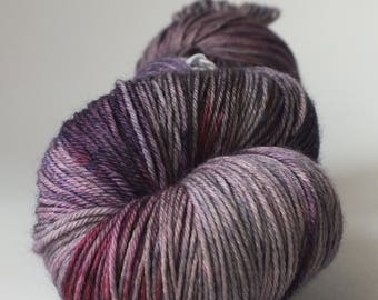 Skein of Superwash Merino / Nylon - Fingering / Sock - color Pandora