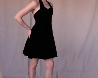 Sexy Summer Sale Black Velvet Short Halter Dress by Scarlett Nite size 7/8