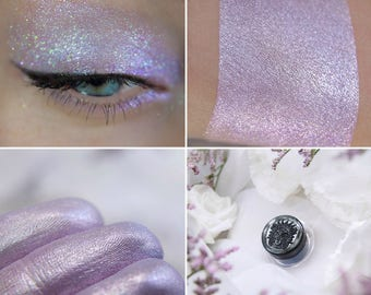 Eyeshadow: Minstrel - MoonElf. Light pink-purple shimmering eyeshadow by SIGIL inspired.