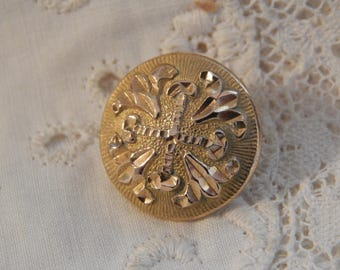 Cross Center and Fleur De Lis Design - WH Jones & Co. Circa 1835 - 1840 Golden Age Button