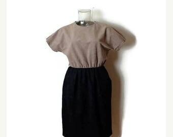 ON SALE Vintage Beige x Black  Short sleeve Dress from 1980's/XS-S*