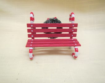 Candy Cane Bench ***Dept. 56 , Heritage Village Collection ** # 52669  ** 1990s