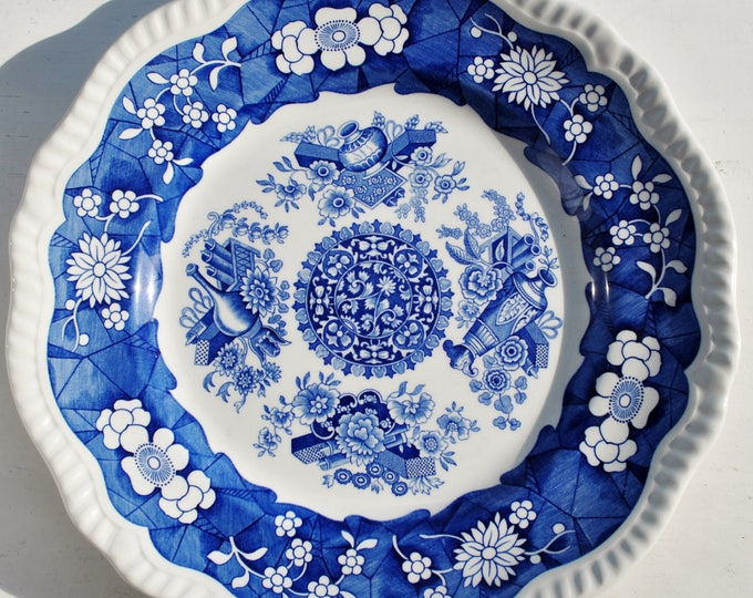 Spode England Blue Room Collection Plate Trophies Regency Series