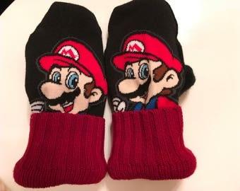 Super Mario mittens