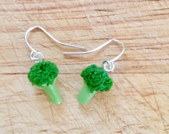 Broccoli - broccoli earrings - drop earrings - veggie studs - vegan studs - polymer clay stud earrings - food jewellery - vegan
