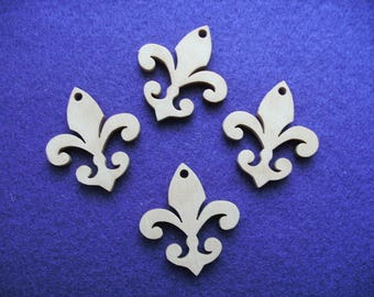 4 pendant, wood, 4 x 3,5 cm (05-0002A)