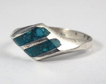 Vintage Turquoise Chip Inlay Ring with Beveled Diamond Shaped Top, Size 5.5