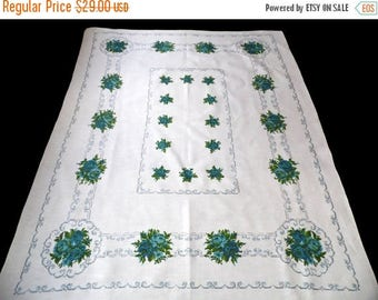 25% SUMMER SALE Vintage white linen tablecloth with blue roses Flowers floral table cloth Printed rose pattern 70s