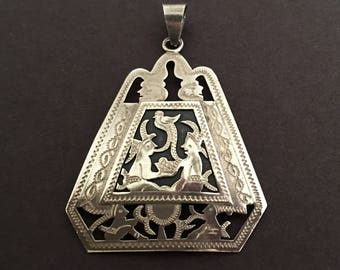 Guatemala Pendant in 900 Sterling Silver, Vintage, Large w/ People & Bird