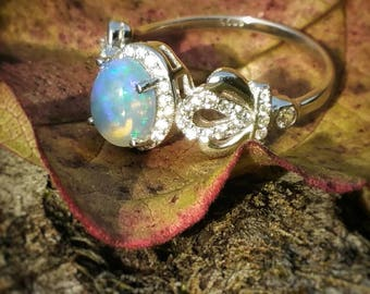 Opal ring, solid silver 925, zirconia on the sides : gemstones for intuition