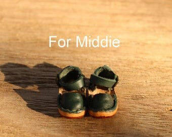 Mary jane shoe for middie blythe color deep green