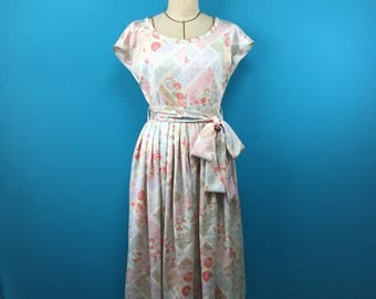 Japanese kimono dress - dress with a flower pattern - french sleeve - vintage silk - US size 8