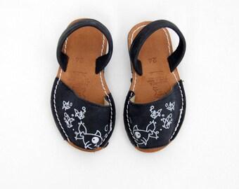 Vintage Albarca Sandals // Avarca Sandals // Menorca Sandals // Menorquinas // Girls size 24