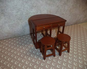 1:12 scale Dollhouse  Kitchen Island with 2 stools