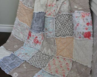 Rag Quilt, Baby Rag Quilt, Baby Girl Quilt, Flower Quilt, Shabby Chic Nursery, Boho Baby Quilt,Vintage Baby Nursery, Ready To Ship