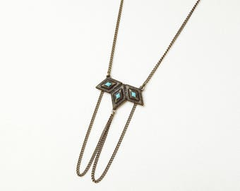 Necklace with diamonds and blue or pink enamel
