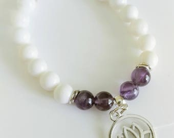 Stone bracelet, amethyst and tricdana.