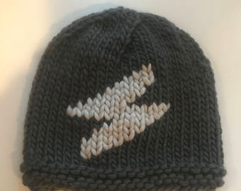 Hand knit beanie with icon in chunky merino wool