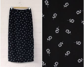 Classic 90s Flower Print Maxi Skirt · Black Flower 90s Skirt · 90s Boho Revival Skirt · 90s Prairie Skirt · Black Flower Maxi Skirt · M