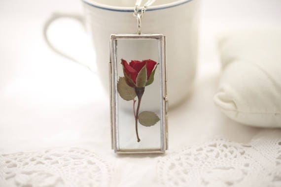 Red Rose locket Necklace - pressed flowers- glass jewelry, flower pendant, romantic gift, symbol of love