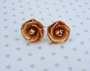 Vintage Gold Tone Mesh Rose Flower Stud Pierced Earrings //80s//