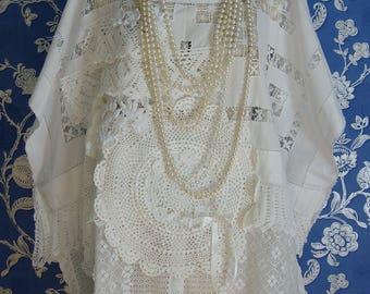 Beautiful and Romantic White  Laura Ashley Vintage Nottingham Lace Off Whites Oversized Boxy Top Tunic