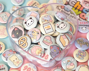 Lovely Chic kawaii badges set of 3, super cute and nice colors and illustrations.