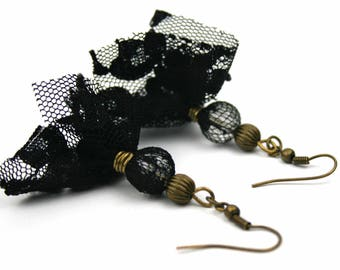 Upcycled jewellery. Recycled tulle earrings. Black tulle earrings VIENNA
