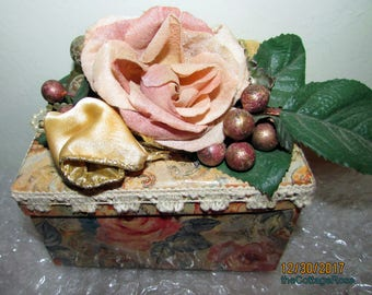Very Victorian Chic Cardboard Rose Decorated Trinket or Index Card Box