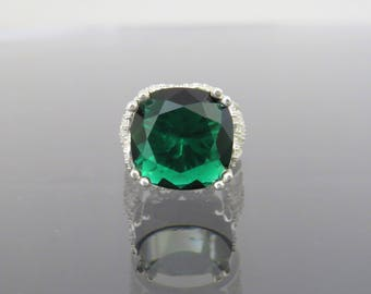 Vintage Sterling Silver Emerald & White Topaz Dome Ring Size 7.5